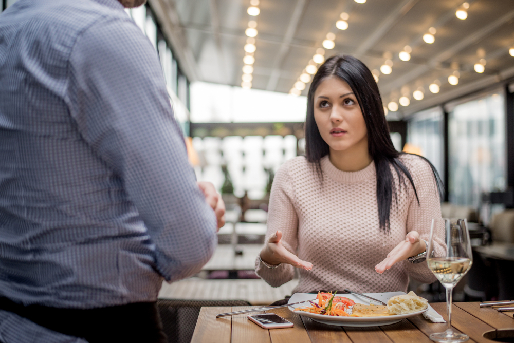 Why Bare Tables Don't Work In Restaurants